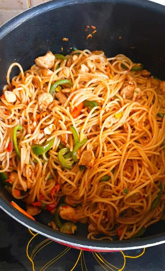 how to make easy chicken chowmein noodles