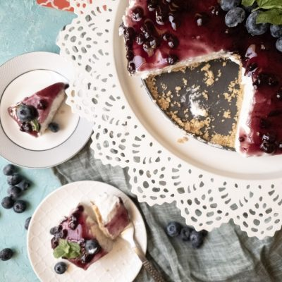nobake blueberry cheesecake slices.