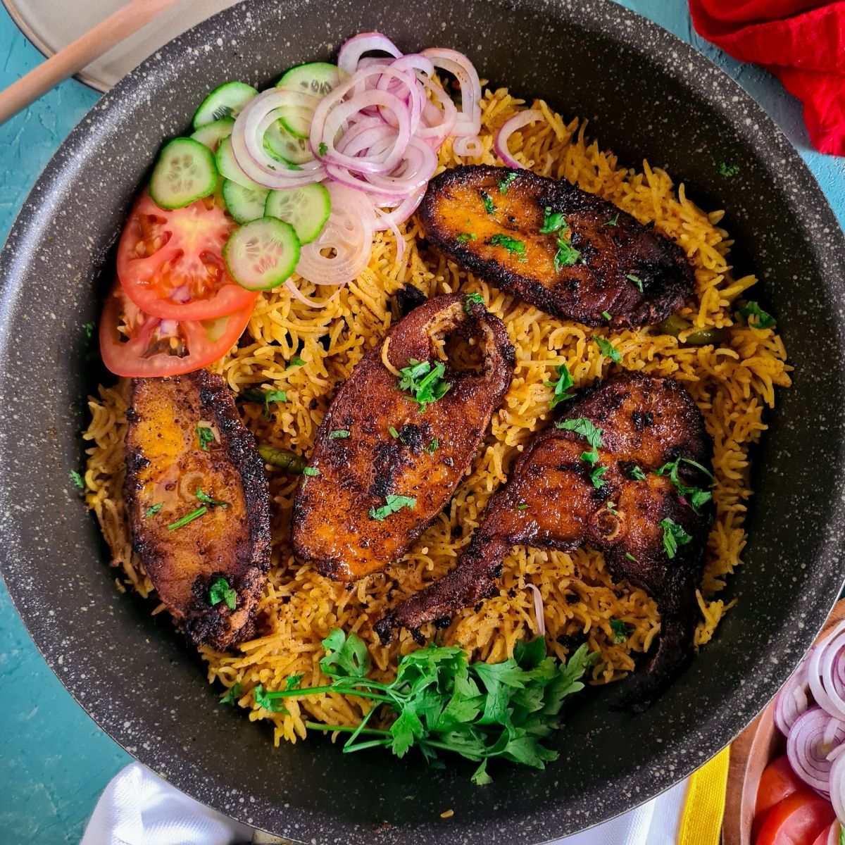 fish tahiri in a pot