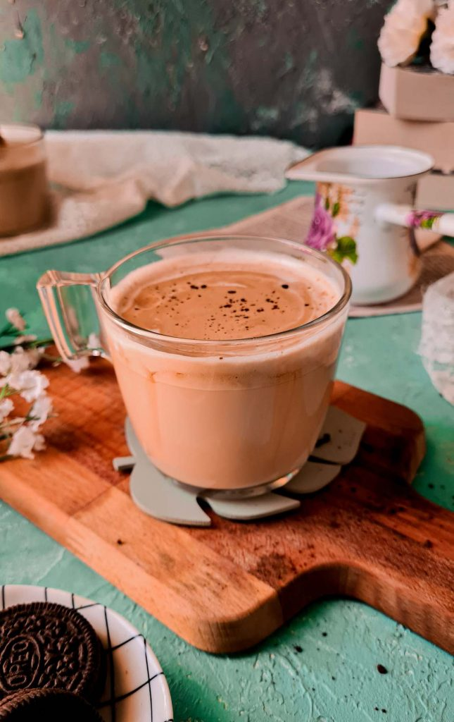 phitti hui coffee or indian whipped coffee in a cup